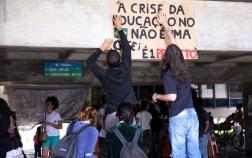 protesto-educacao-teto-de-gastos.jpg